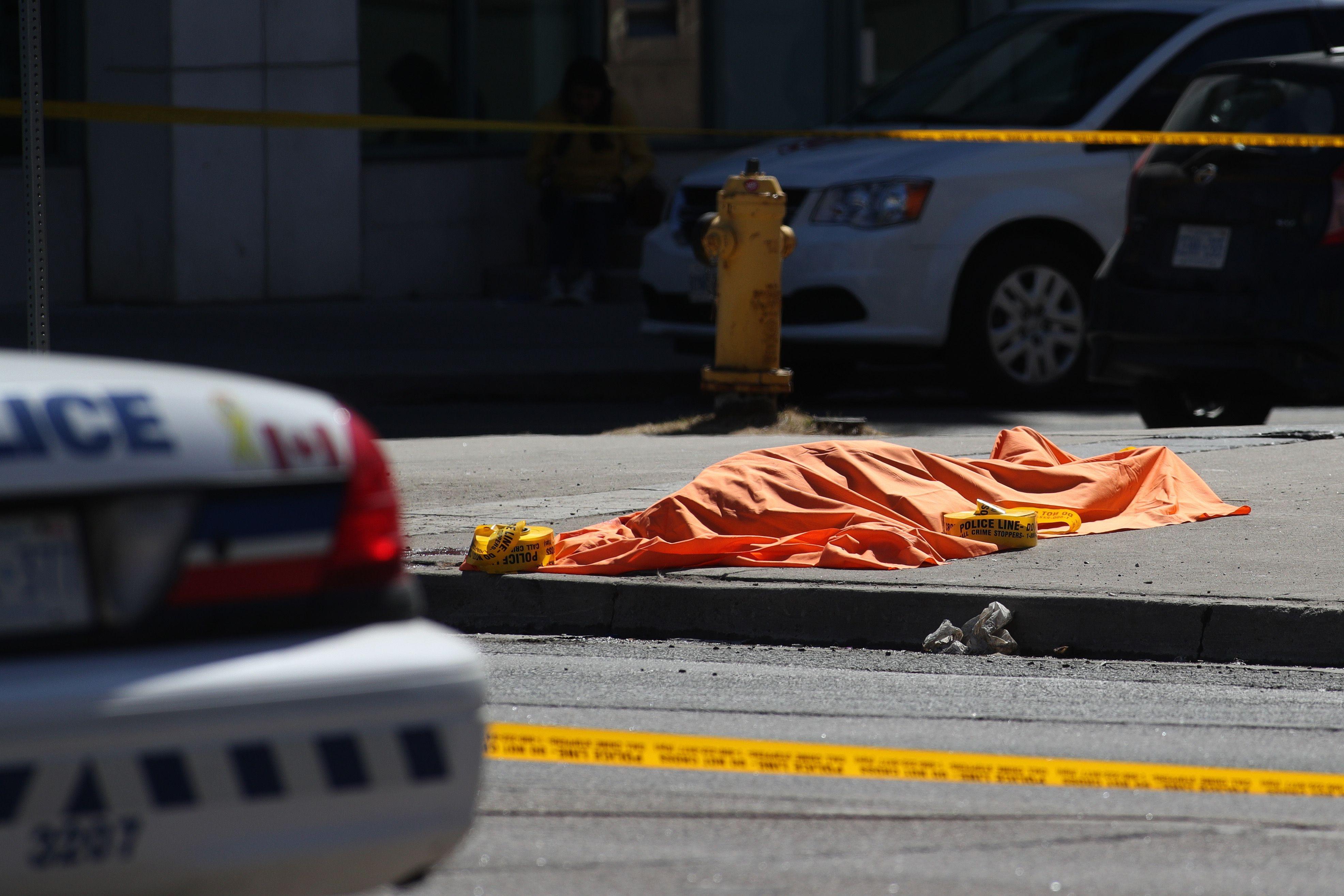 الشرطة: 9 قتلى و16 جريحا في حادثة الدهس في تورونتو الكندية