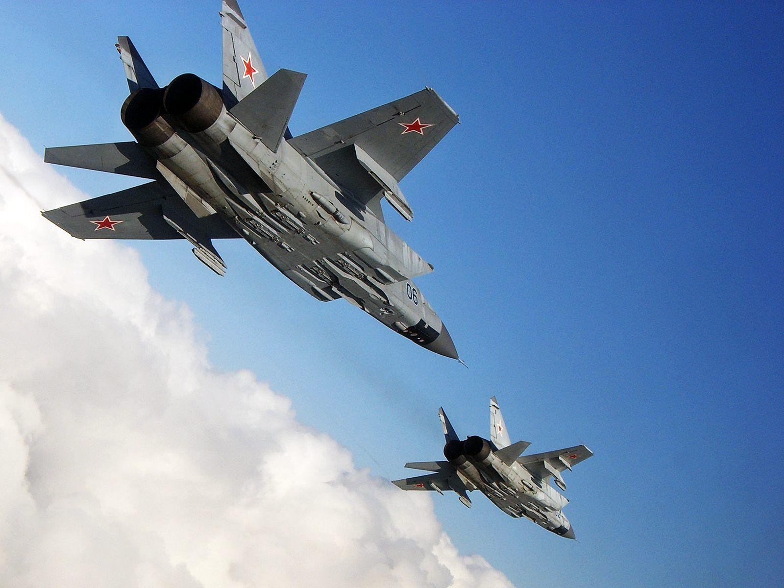 """الجيش الروسي يعزز قواته بـ10 مقاتلات مزودة بصواريخ """"كنجال"""" الفتاكة"""