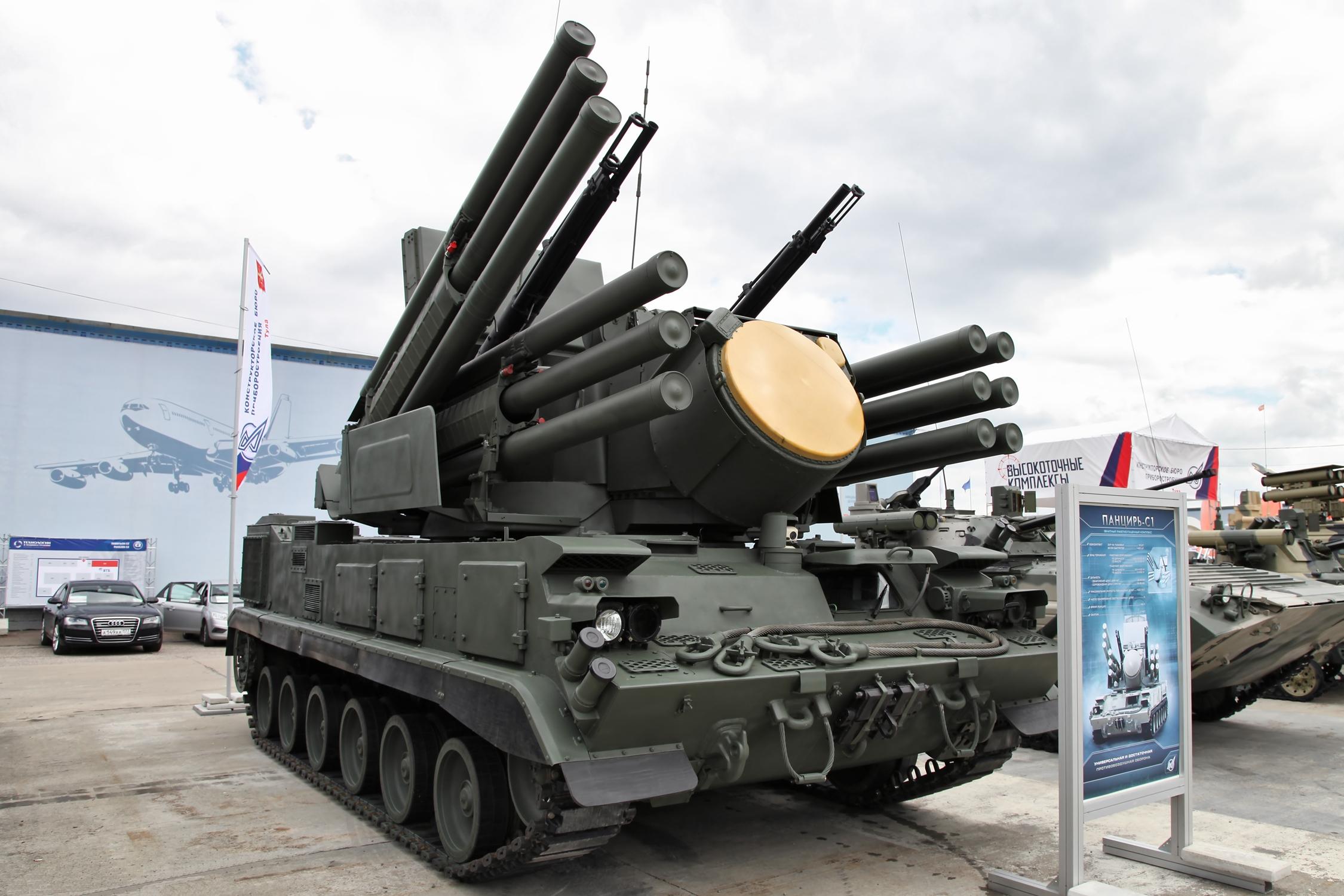 """لماذا عجزت """"بانتسير"""" السورية عن حماية نفسها من صواريخ إسرائيل؟"""