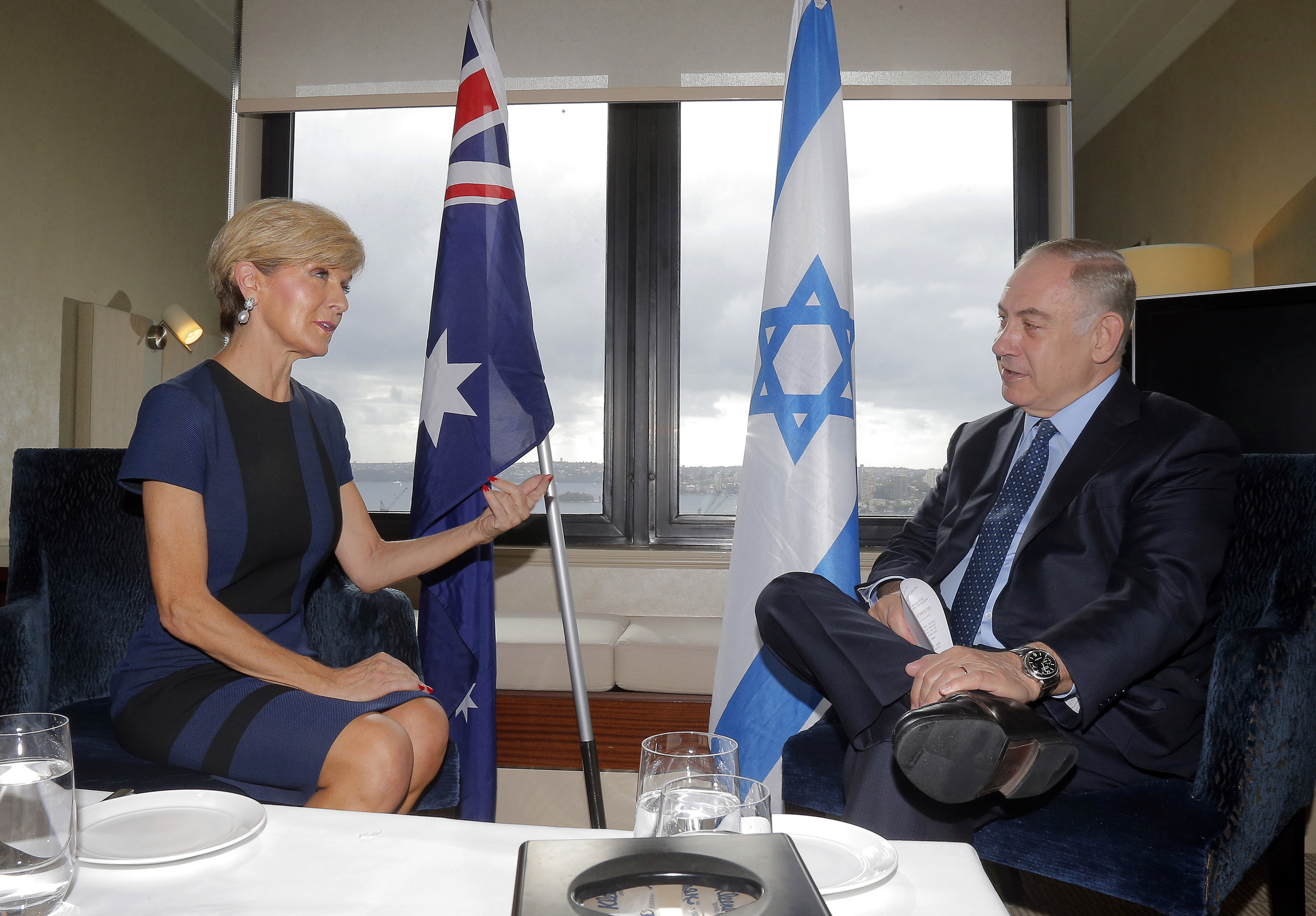 Australia's Foreign Minister Julie Bishop (L) meets with Israeli Prime Minister Benjamin Netanyahu in Sydney on February 26, 2017.  Netanyahu is leaving today after a four-day official visit to Australia during which he discussed bilateral and international issues with his counterpart Malcolm Turnbull and other high officials. / AFP PHOTO / POOL / JASON REED