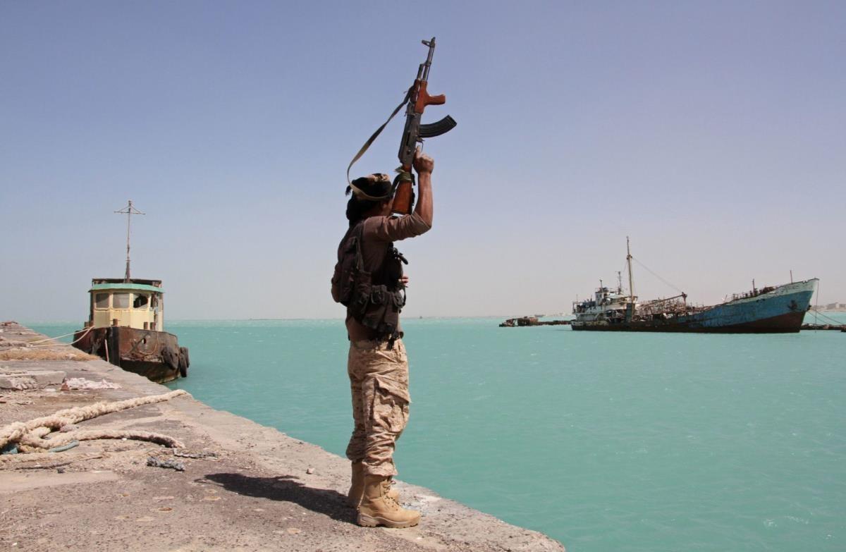 اليماني: نحتاج 8 سنوات لنزع الألغام التي زرعها الحوثيون