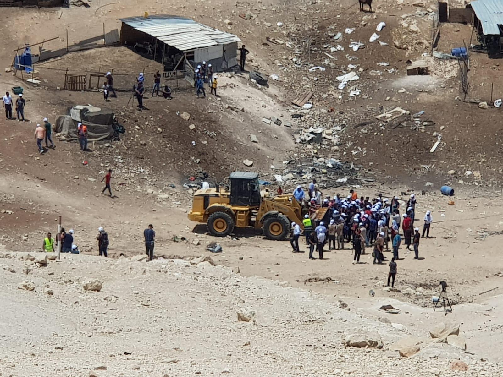 محكمة إسرائيلية تجمد قرار هدم الخان الأحمر شرق القدس