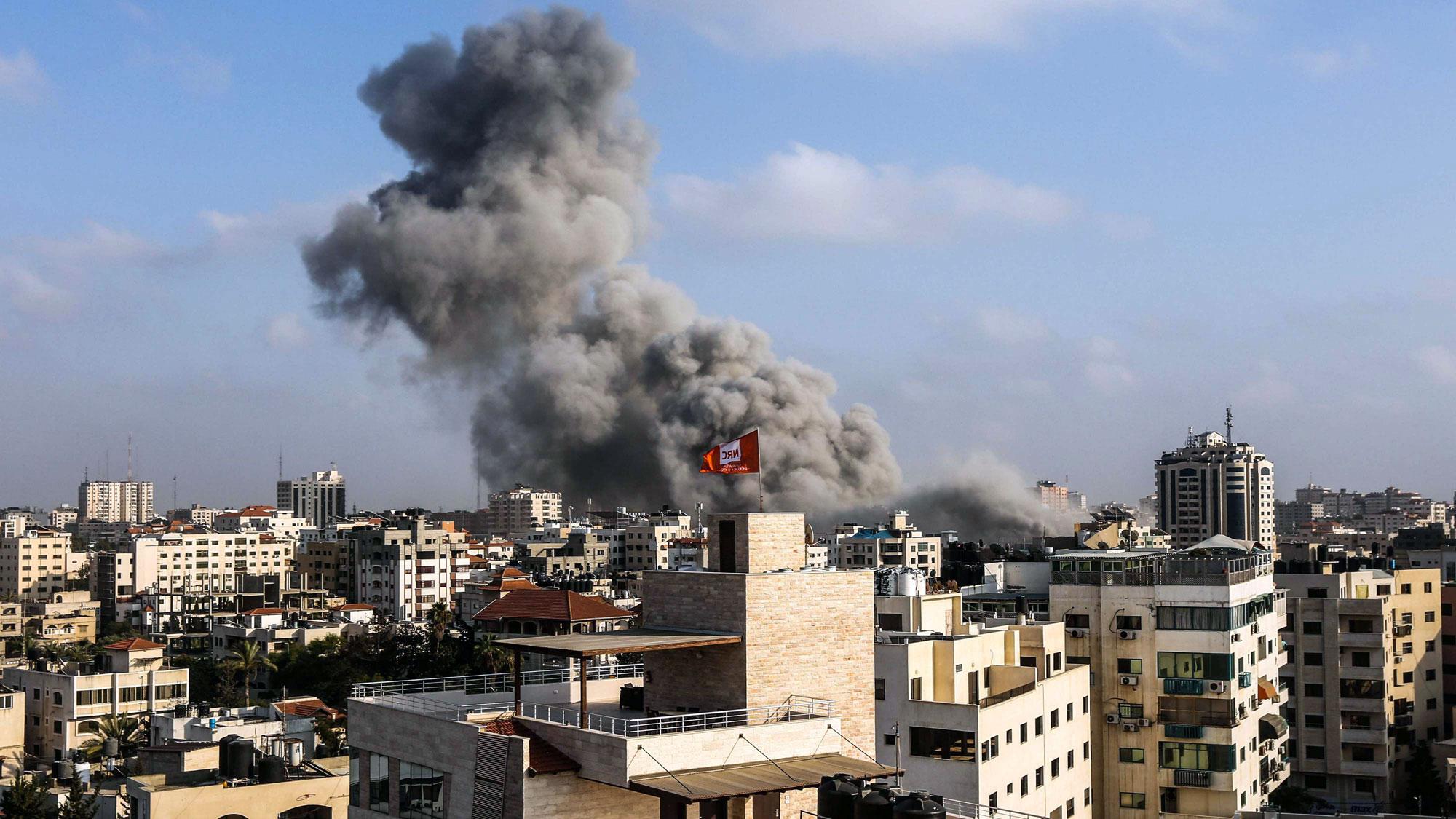 سلاح الجو الإسرائيلي يشن غارات مكثفة على مواقع حماس في غزة