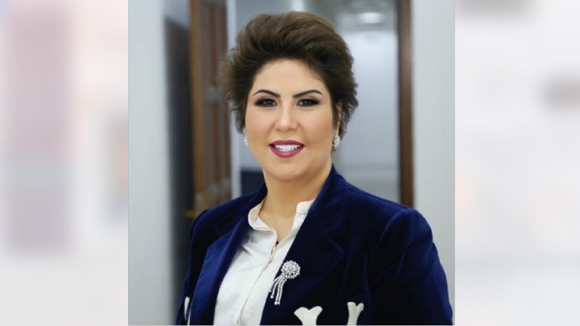 """كاتبة كويتية تغرد بالعبرية داعية للتطبيع.. و""""إسرائيل بالعربية"""" تصفها بـ""""فجر الشجاعة"""""""
