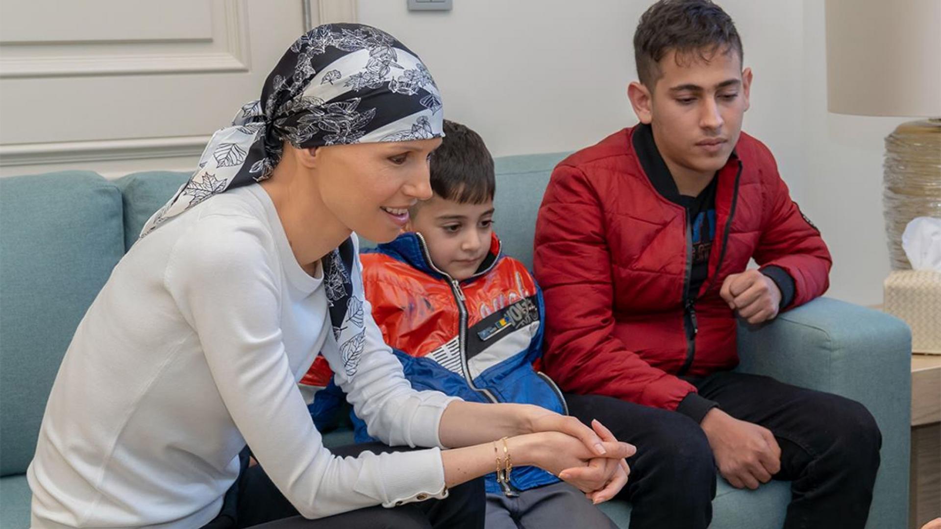 صور أسماء الأسد بأحدث ظهور بعد بدء علاجها الكيماوي من ورم خبيث بالثدي
