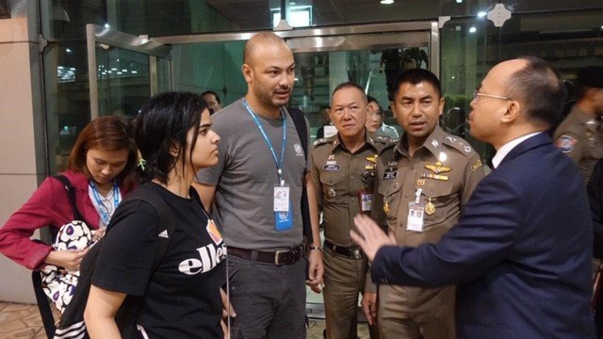 مسؤول تايلندي لـCNN: منظمة اللاجئين لن تسمح لوالد وشقيق رهف القنون بمقابلتها