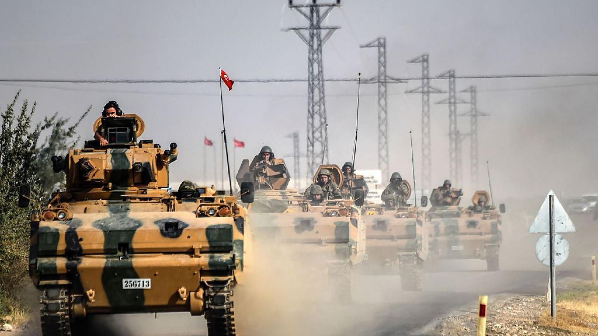 تضم وحدات كوماندوز.. الجيش التركي يحرك تعزيزات عسكرية إلى حدود سوريا