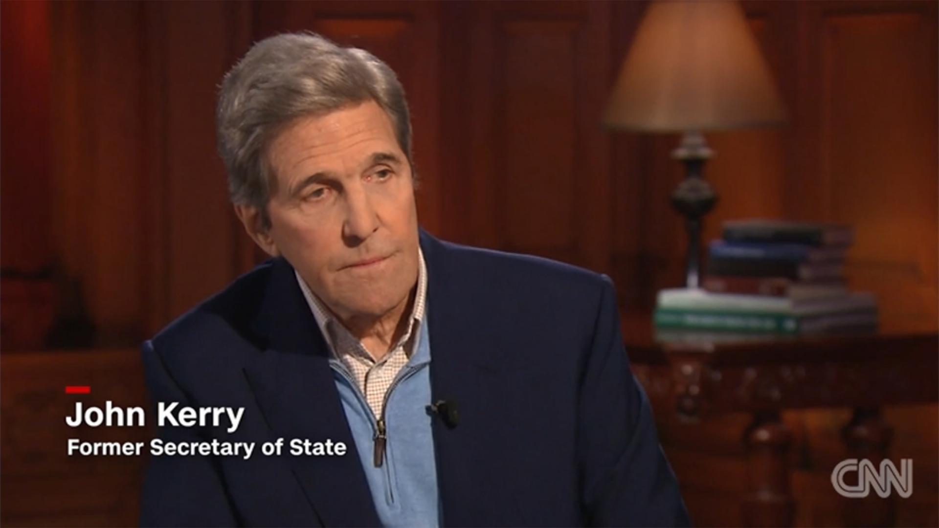"""بمقابلة مع CNN.. كيري يهاجم بومبيو وخطابه في مصر.. ويوضح """"لحظة الخزي"""""""