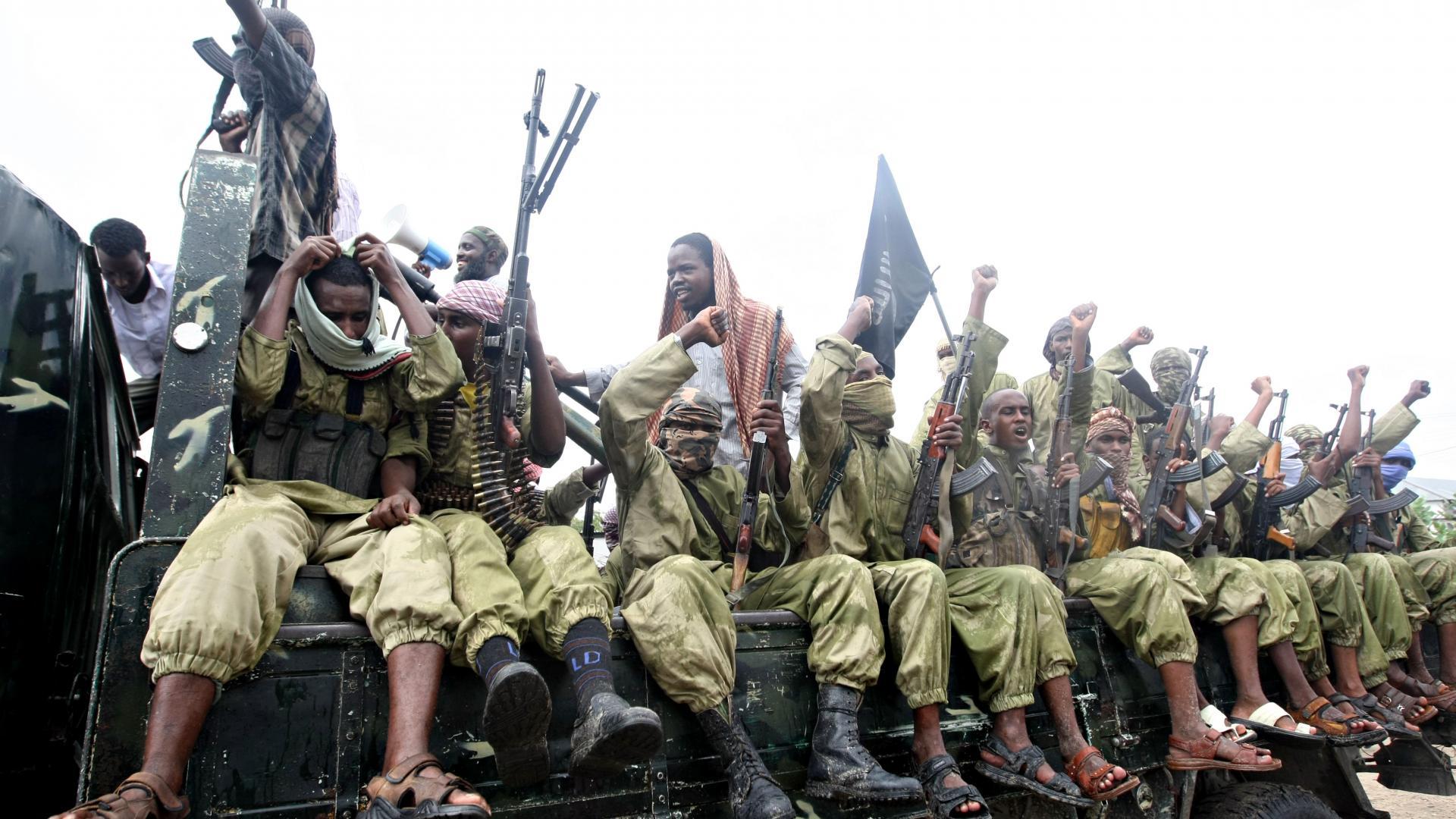 """ردا على مهاجمة قوات صومالية.. غارة للجيش الأمريكي تقتل 52 عنصرا بـ""""الشباب"""""""