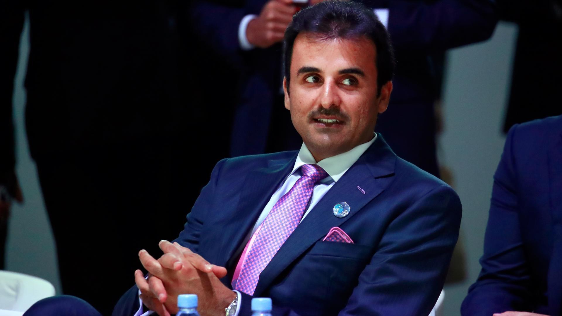 بين ترحيب واتهام.. كيف تفاعل نشطاء مع إعلان تمثيل أمير قطر لبلاده بقمة لبنان الاقتصادية؟