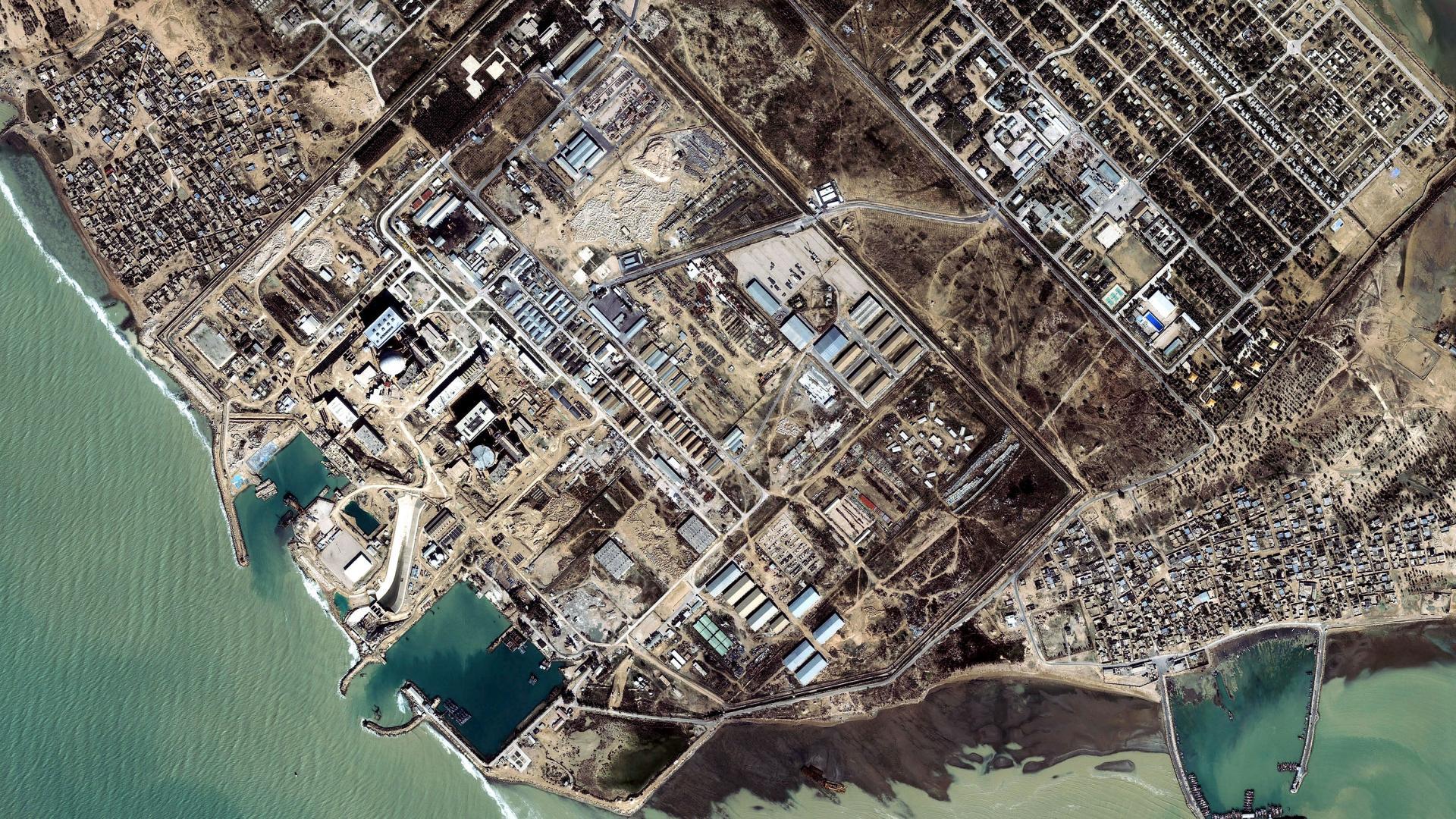 """إيران تعرض مساعدة الخليج بـ""""النووي"""" وخصوصا الكويت والإمارات"""