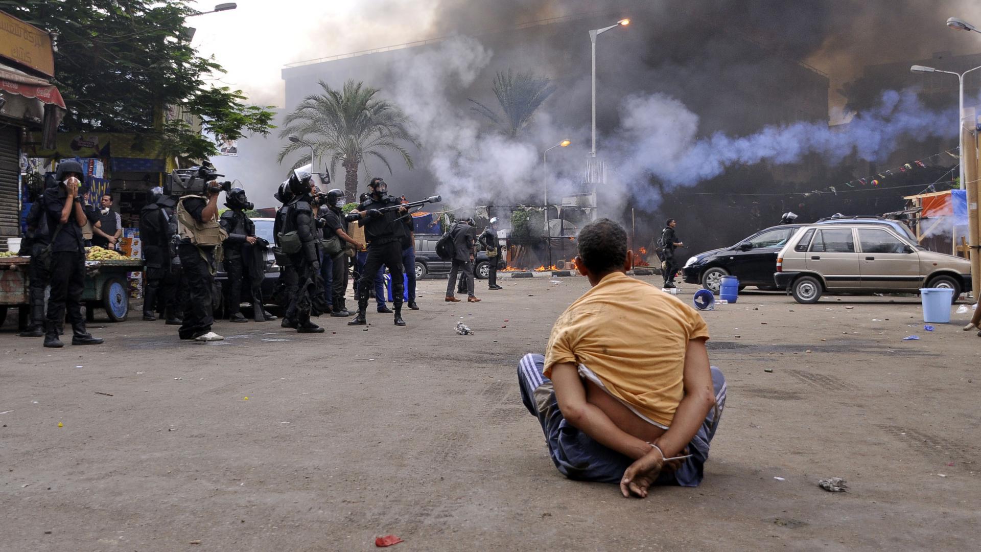 """النيابة العامة المصرية ترد على تقرير """"هيومن رايتس"""" بشأن تعذيب المعتقلين على يد الشرطة"""