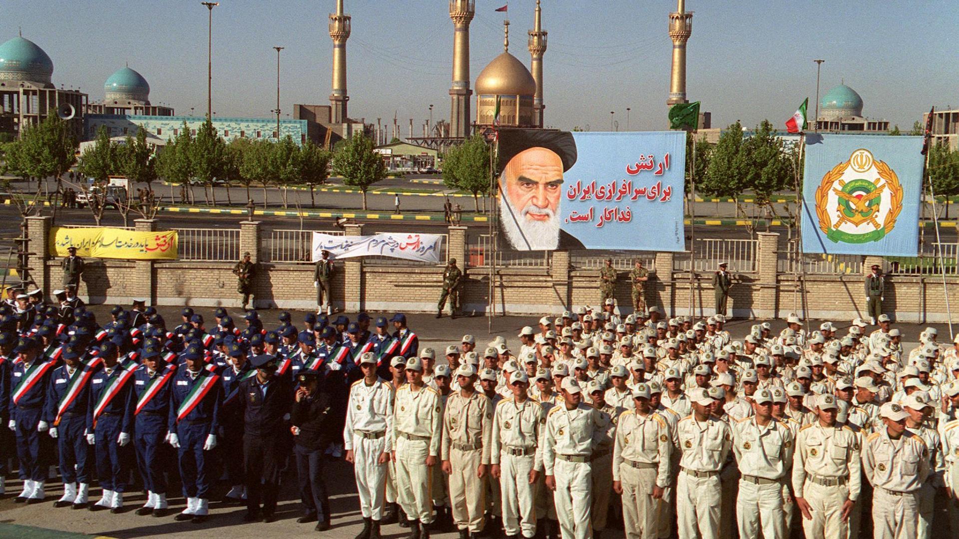 إيران: قتيل و5 إصابات بهجوم استهدف مقر قوات البسيج في نيكشهر