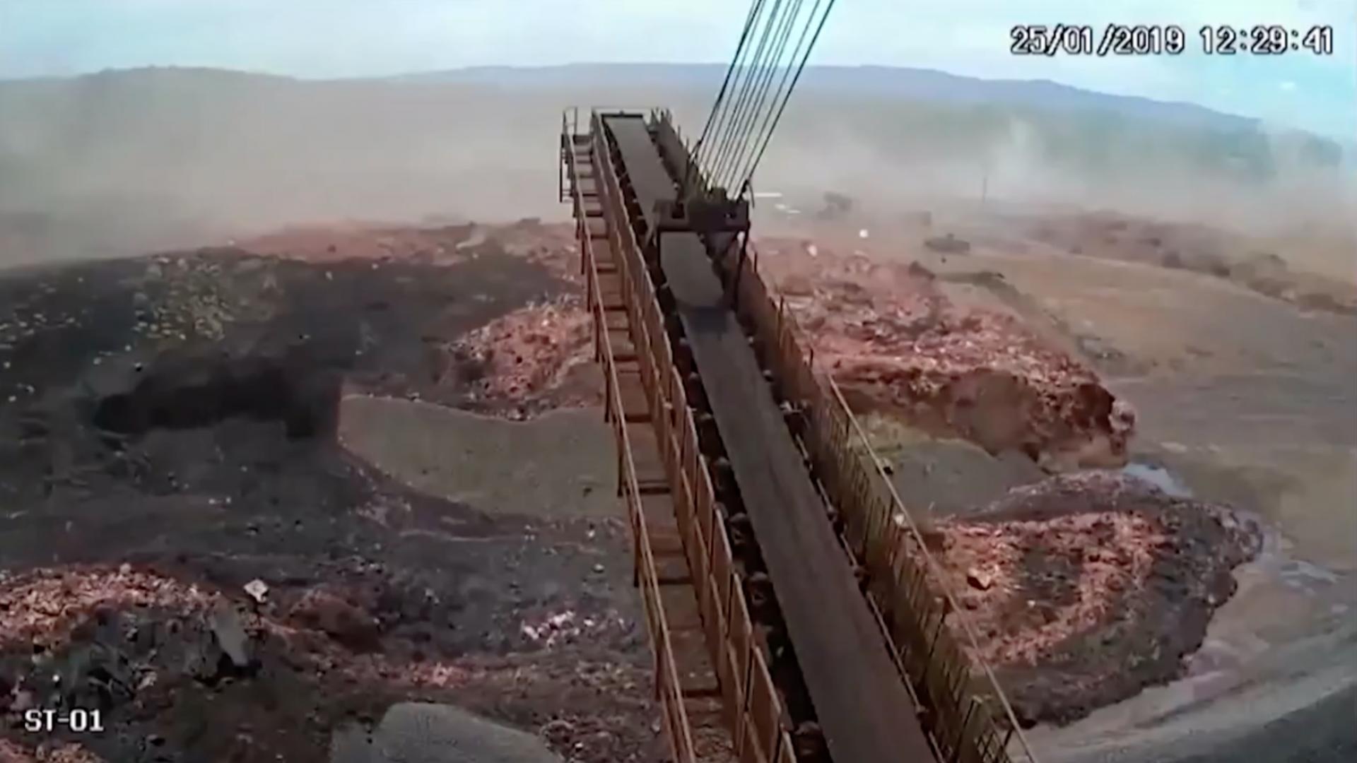 فيديو جديد يظهر لحظة انهيار سد في البرازيل