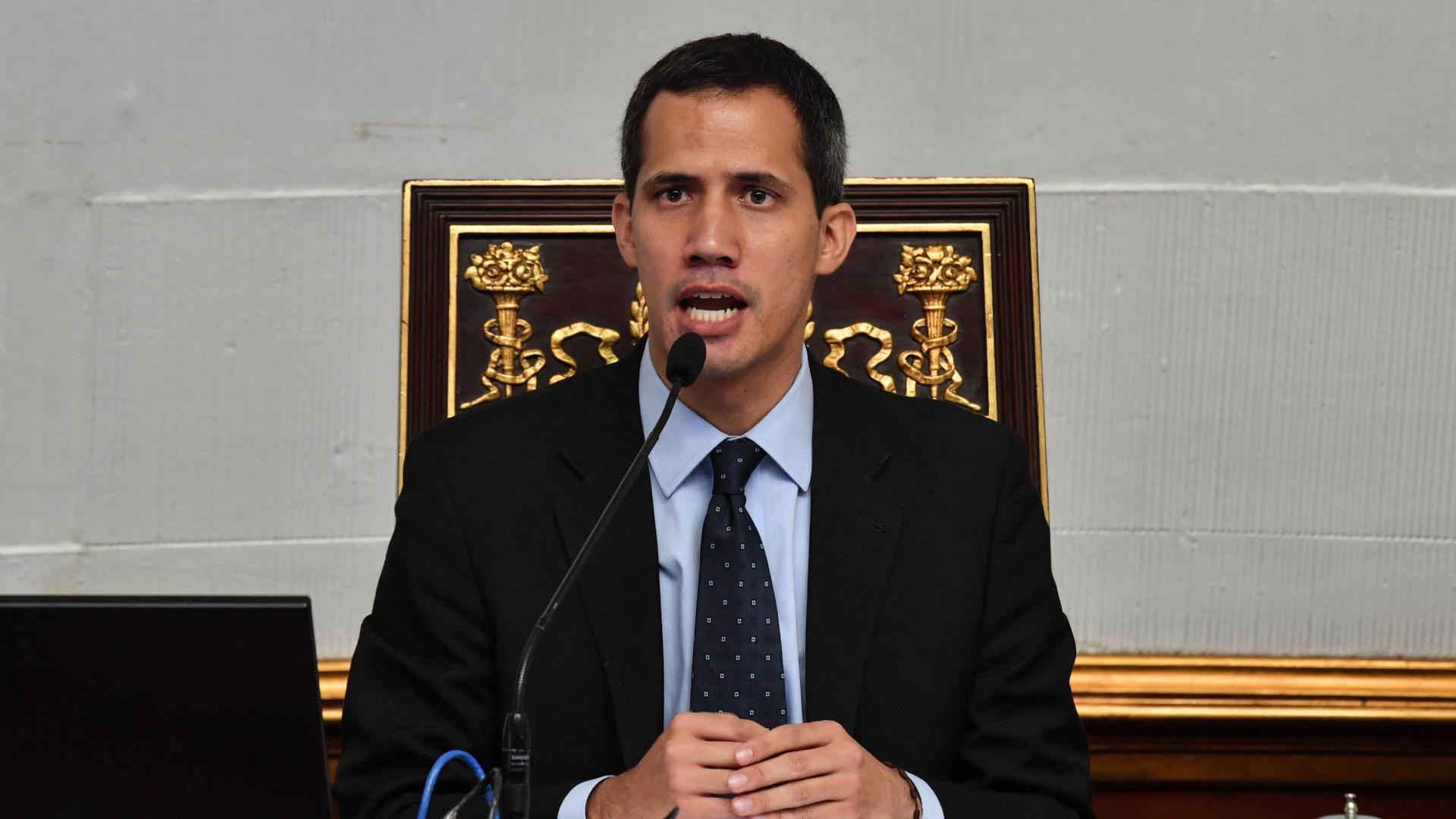 """بريطانيا وإسبانيا وفرنسا تعترف بغواييدو """"رئيسا مؤقتا لفنزويلا"""""""