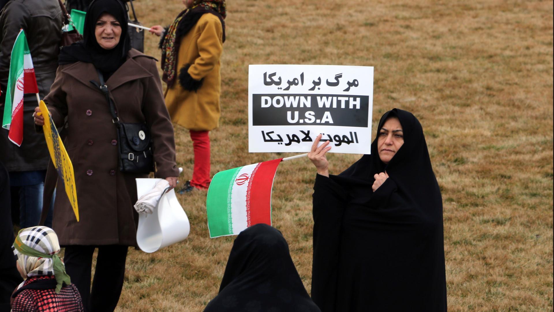 """خامنئي: واشنطن تسيطر على مصير السعودية.. وهذا ما نقصده بـ""""الموت لأمريكا"""""""