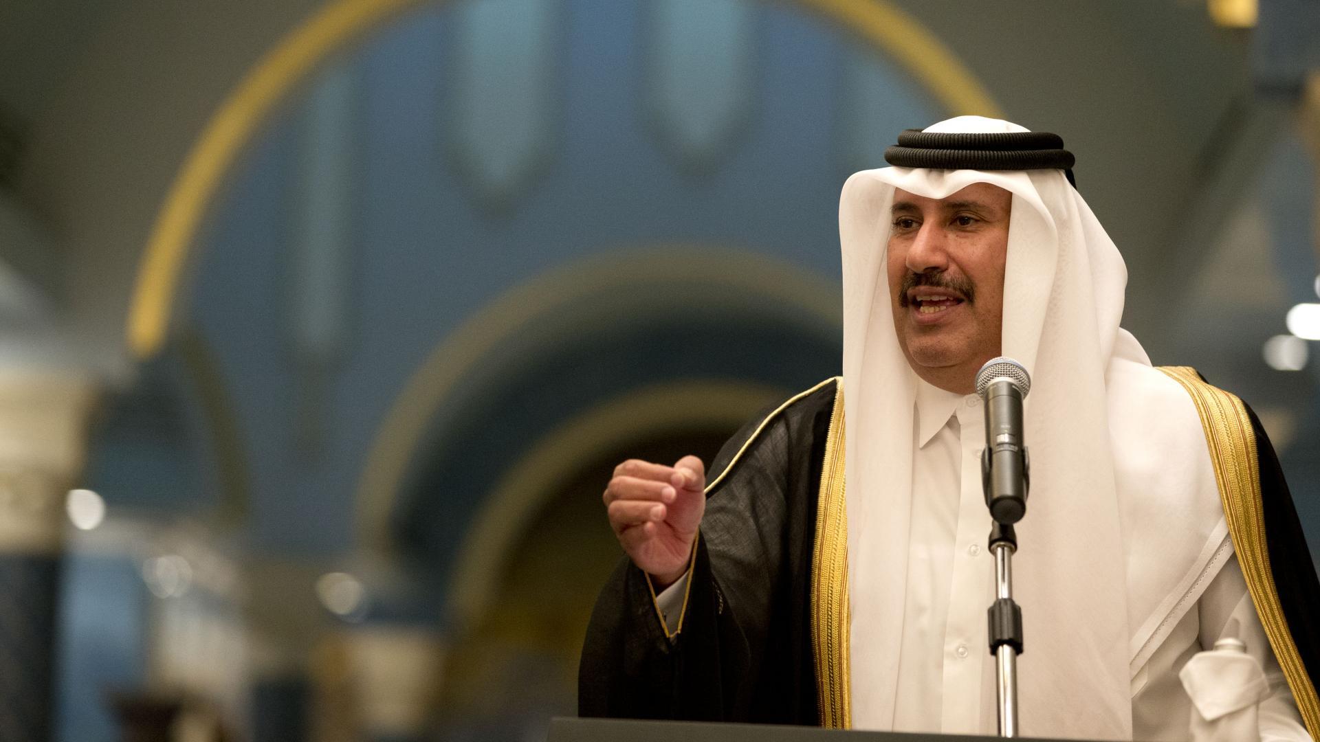 """رئيس وزراء قطر الأسبق يتحدث عن التطبيع مع إسرائيل ويصف اجتماع وارسو بـ""""العرس"""""""