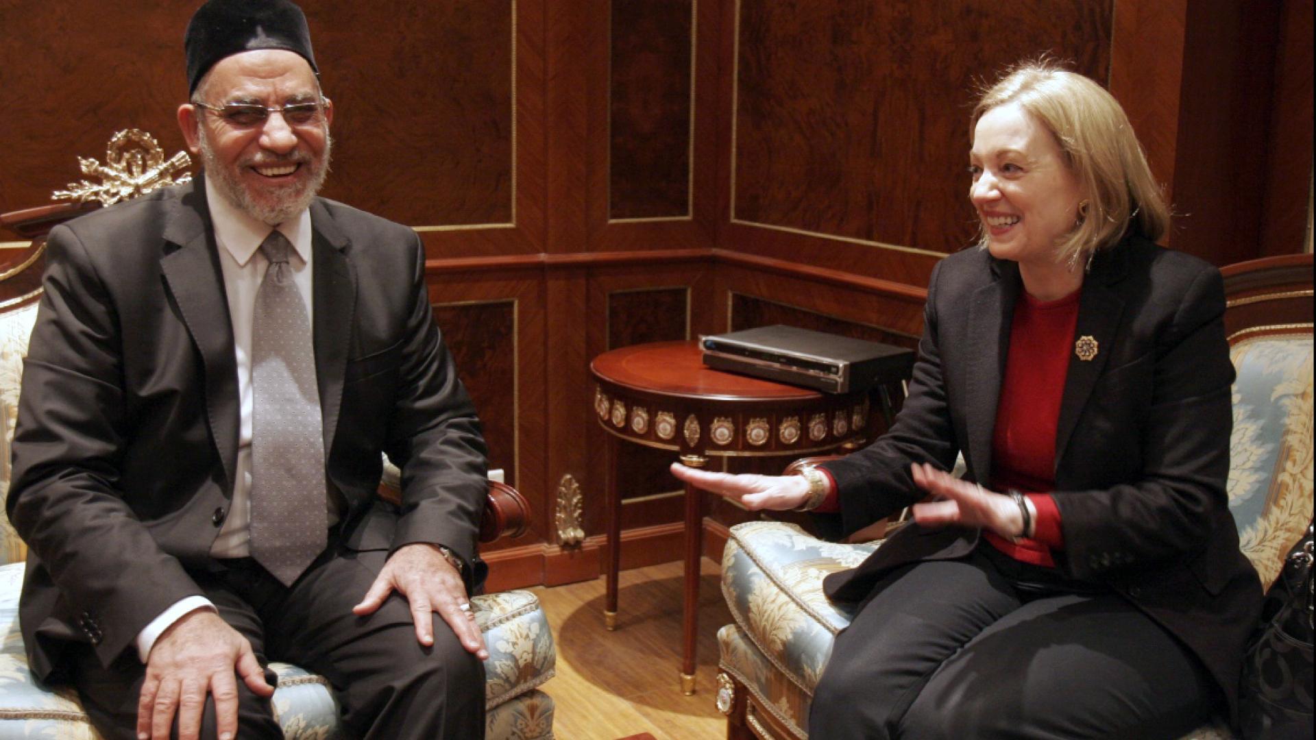 السفيرة الأمريكية السابقة لمصر: إذا تخلص أي أحد من السيسي فسيكون الجيش.. ومرسي كان متعجرفا