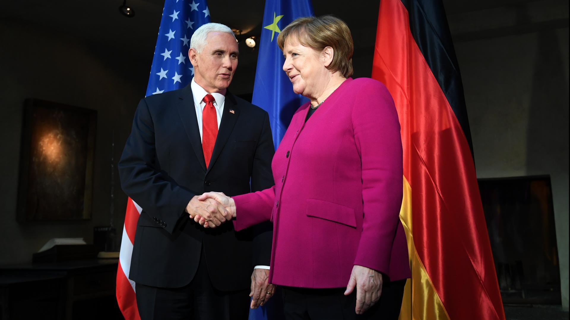 بنس يرد على تساؤلات ميركل حول الانسحاب الأمريكي من سوريا.. ويهاجم إيران