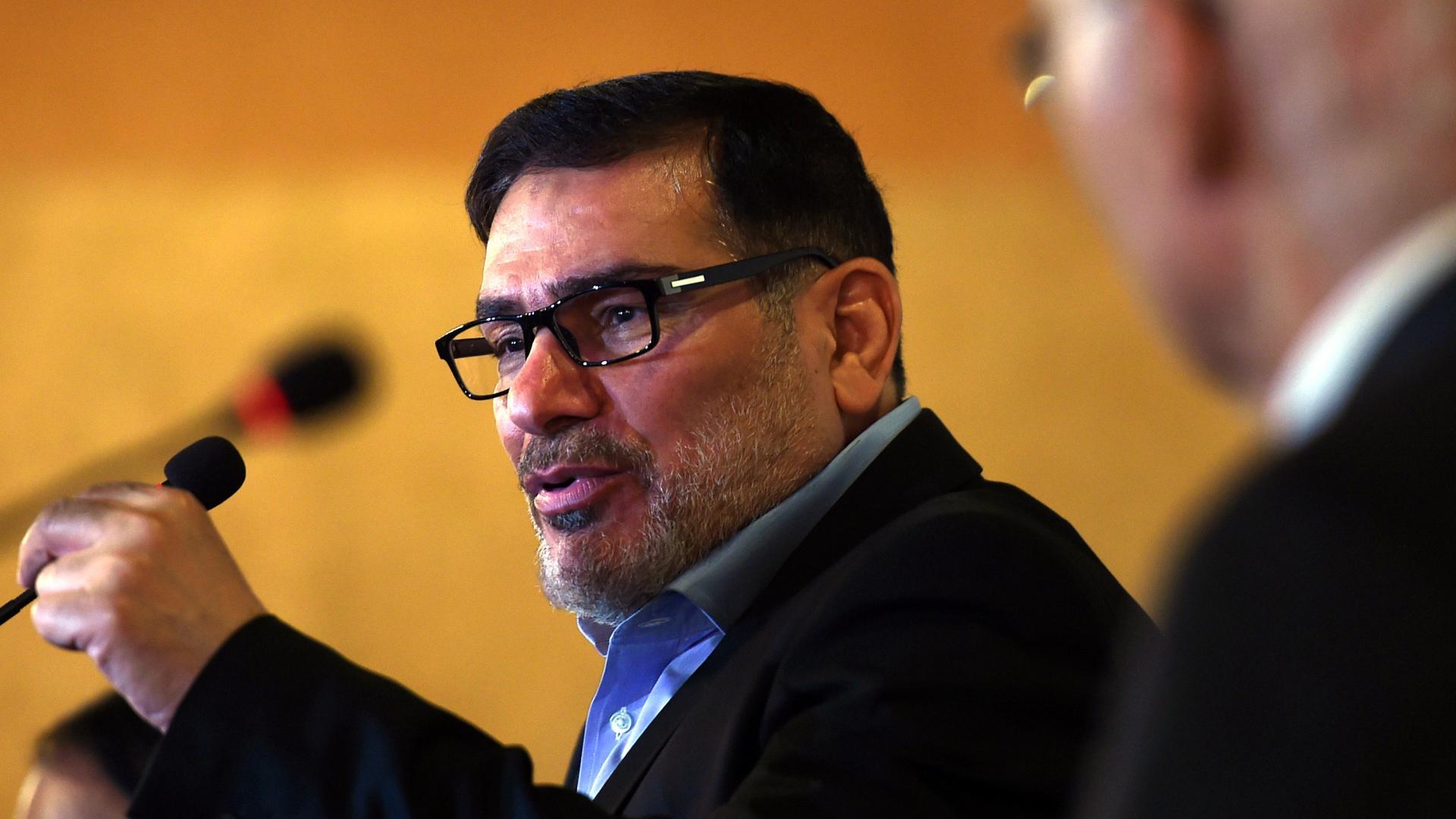"""علي شمخاني: الموقف الإماراتي من إيران """"لا ينسجم"""" مع السعودي"""