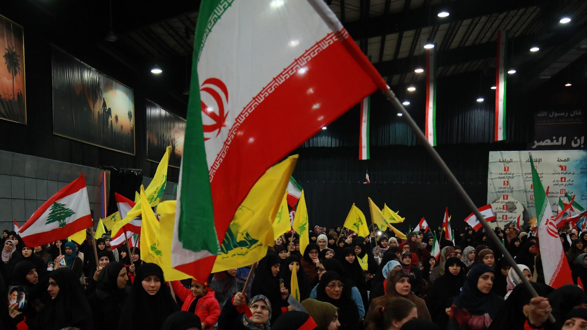 بريطانيا تعتزم فرض حظر على جميع أجنحة حزب الله.. وتعاقب المنتمين له بالسجن