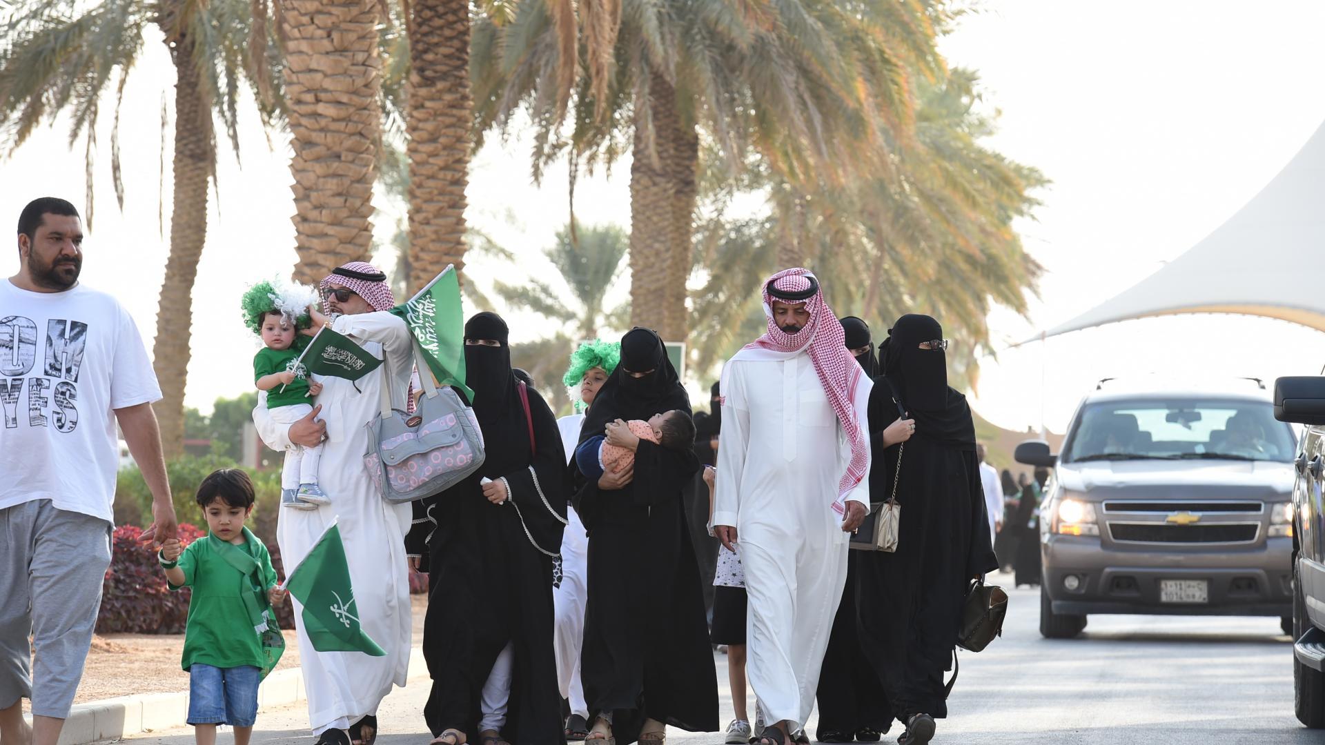 """إمام الأزهر يشعل جدلا على تويتر حول تعدد الزوجات و""""الظلم"""" الذي يقع أحيانا"""