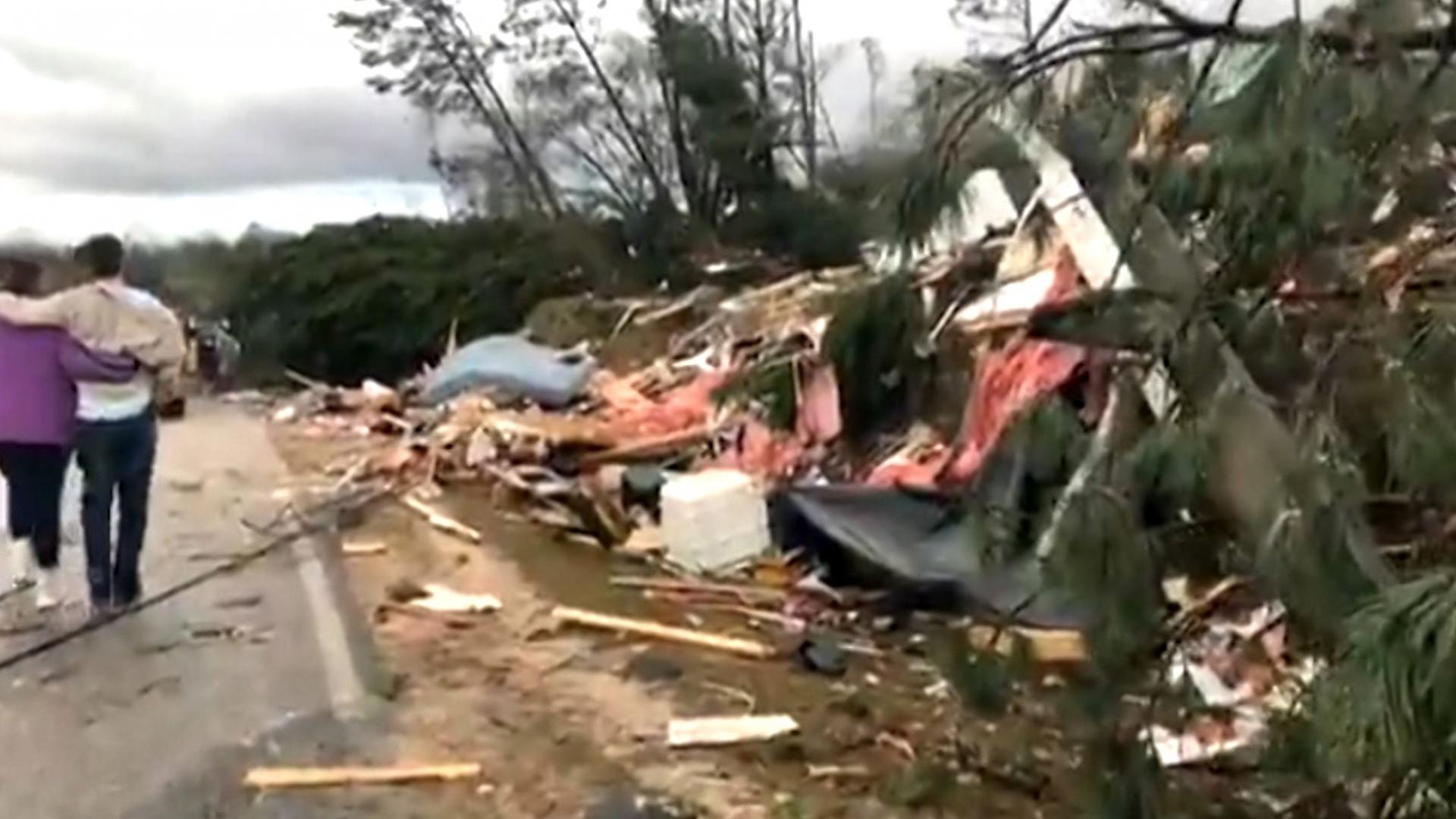 عشرات القتلى والجرحى جراء أعاصير في ولايتي ألاباما وجورجيا