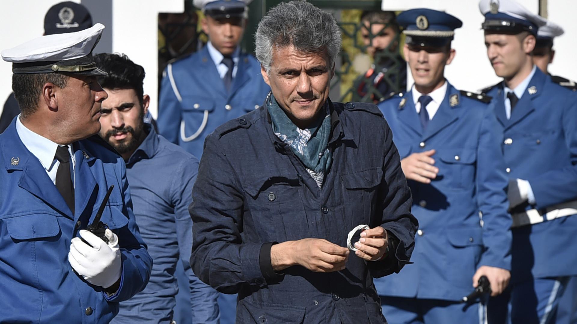 تقارير عن اعتقال رشيد نكاز زعيم المعارضة الجزائري داخل مستشفى يرقد فيه بوتفليقة بسويسرا