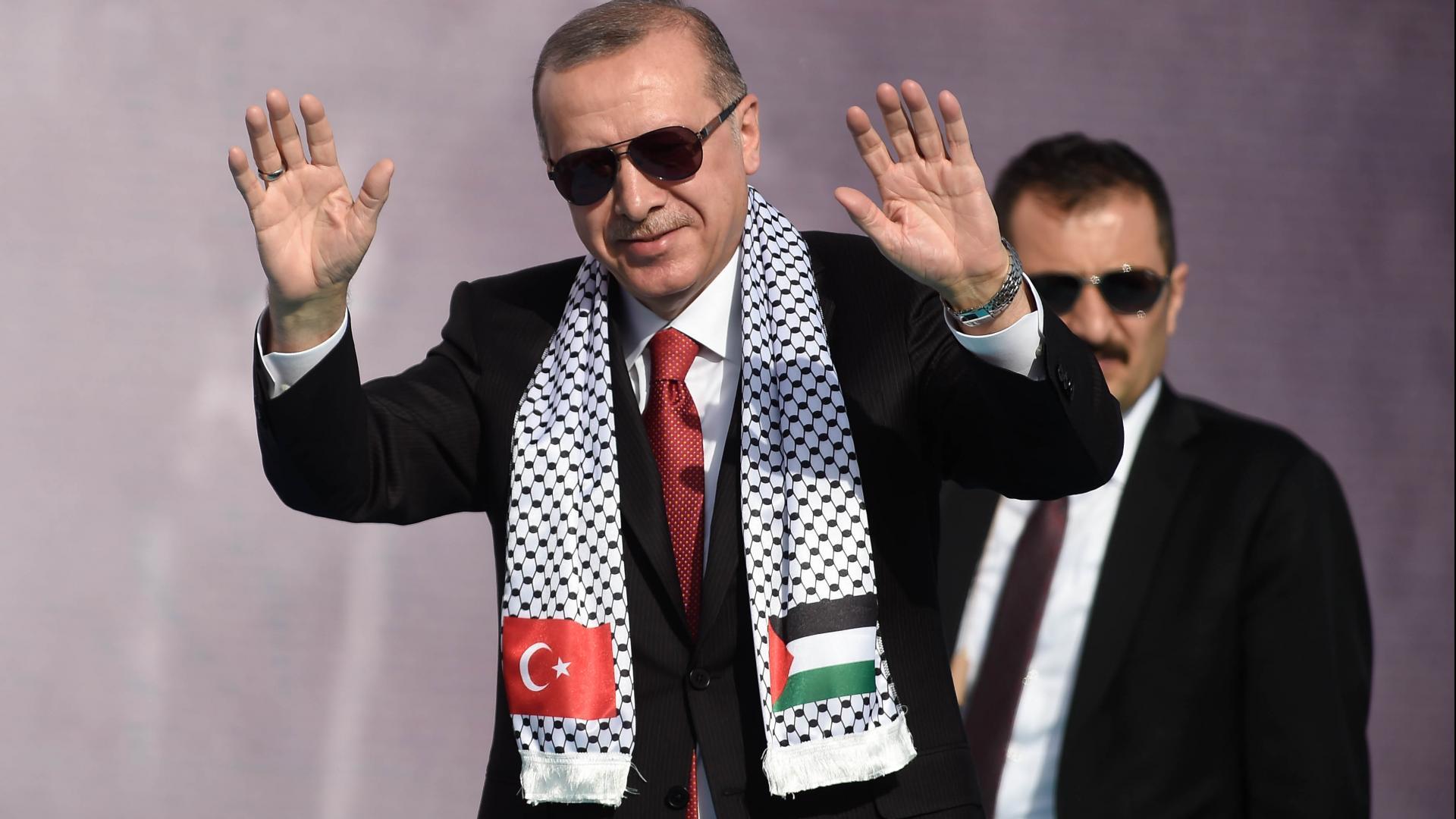 """وصفت أردوغان بـ""""الشيطان"""".. الحزب الحاكم بتركيا يرد على مجلة مصرية"""