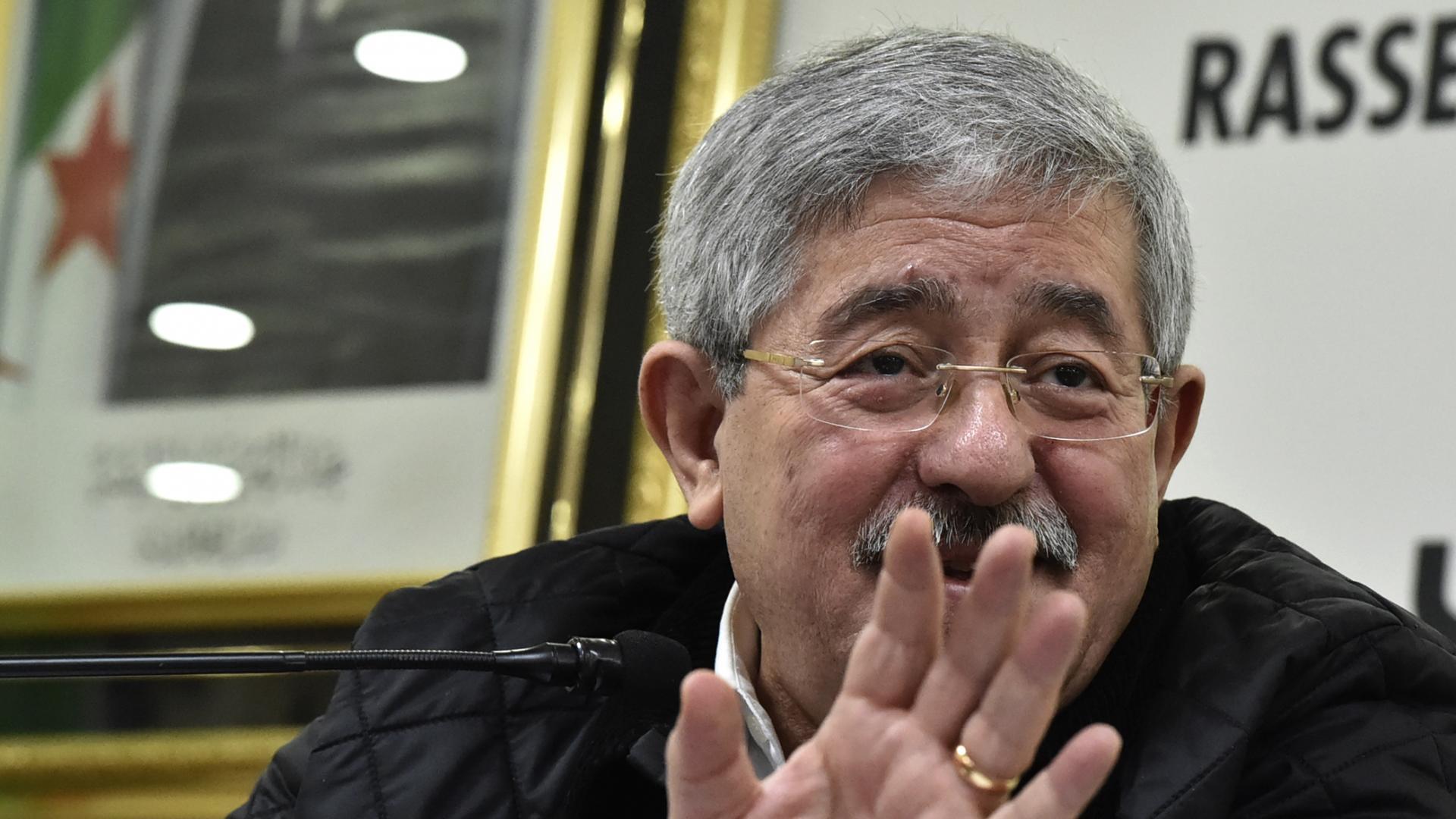 استقالة أويحيى من منصبه كرئيس لوزراء الجزائر وتعيين نور الدين بدوي خلفا له