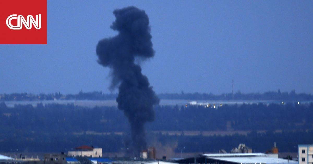 إسرائيل تشن غارات على مواقع حماس.. والحركة تتوعد بالرد