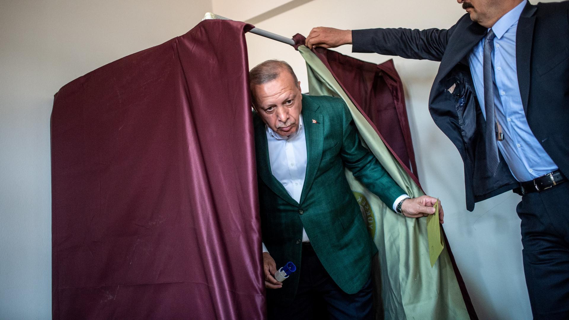اللجنة العليا توافق على إعادة الانتخابات البلدية في إسطنبول