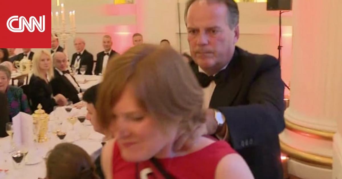 إيقاف وزير بريطاني بعد اعتدائه على متظاهرة في حفل رسمي