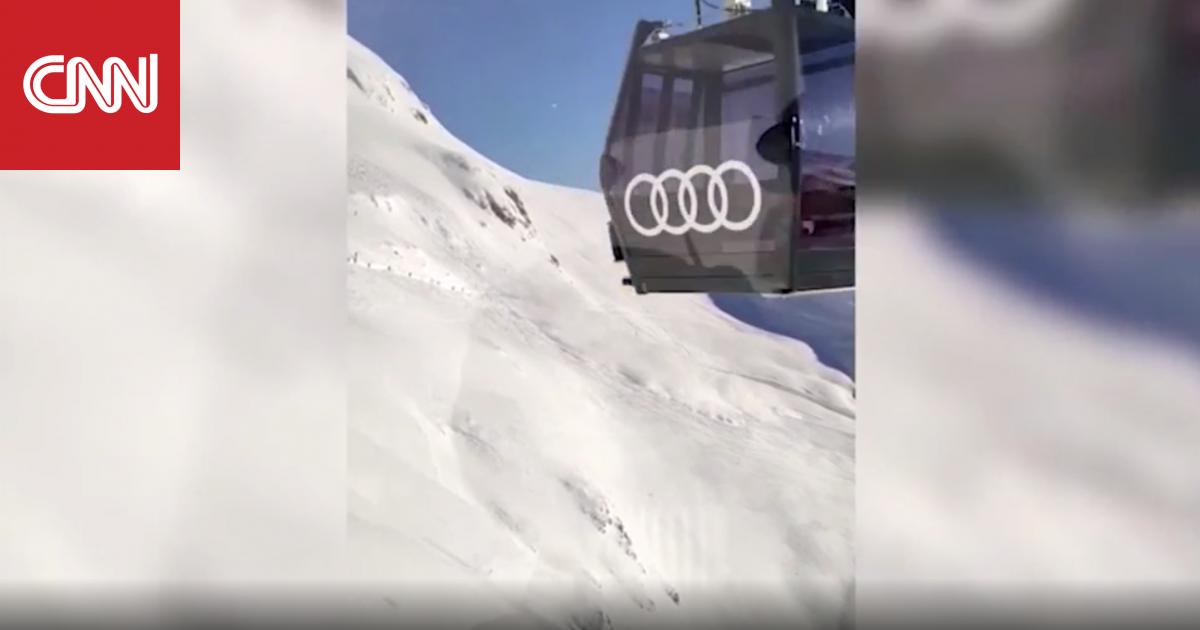كاميرا سائح توثق لحظة انهيار ثلجي مفاجىء في جبال الألب